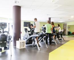 Trainingsbereich mit Cardiogeräten