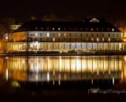 Kurhaus am Burgsee bei Nacht